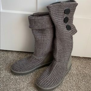 Grey knit boots